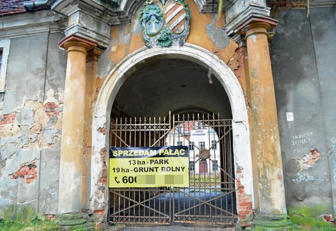 Detektyw Krzysztof Rutkowski sprzedaje zabytkowy pałac i pensjonat na Dolnym Śląsku. Woli Ateny