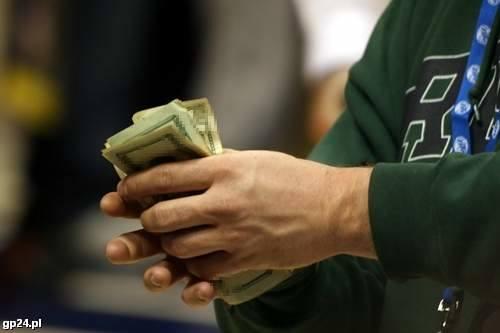 Robimy remont. Kredyt czy pożyczka?W przypadku gdy potrzebne są nam większe pieniądze lub gdy spłatę zobowiązania chcemy rozłożyć na okres kilku lat,