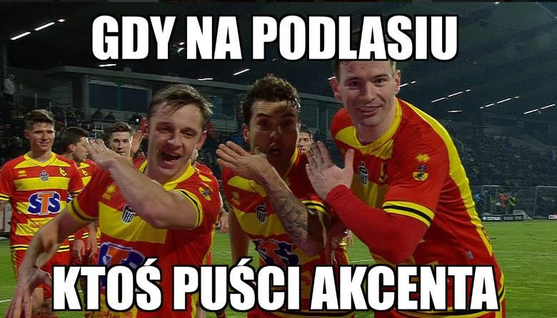 Ekstraklasa obudziła się z zimowego snu, a na ligowe boiska w Polsce po niemal 12 latach powrócił Jakub Błaszczykowski. Jego Wisła przegrała jednak w