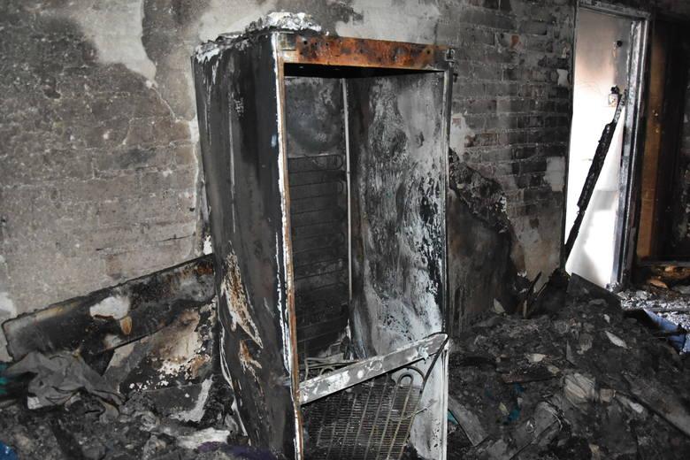 Jastrzębie-Zdrój: w nocnym pożarze bloku spłonął 65-latek.