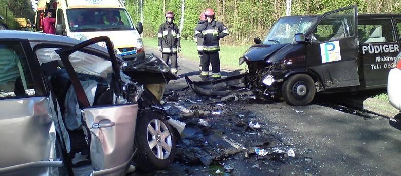 Wypadek pod Zdroiskiem, trzy osoby ranne. Droga między Gorzowem a Strzelcami jest zablokowana (szczegóły i zdjęcia)