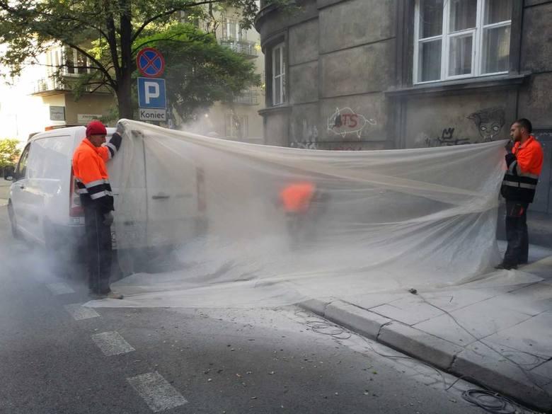 Kraków. Wiercą i potwornie kurzą w centrum. Mieszkańcy protestują