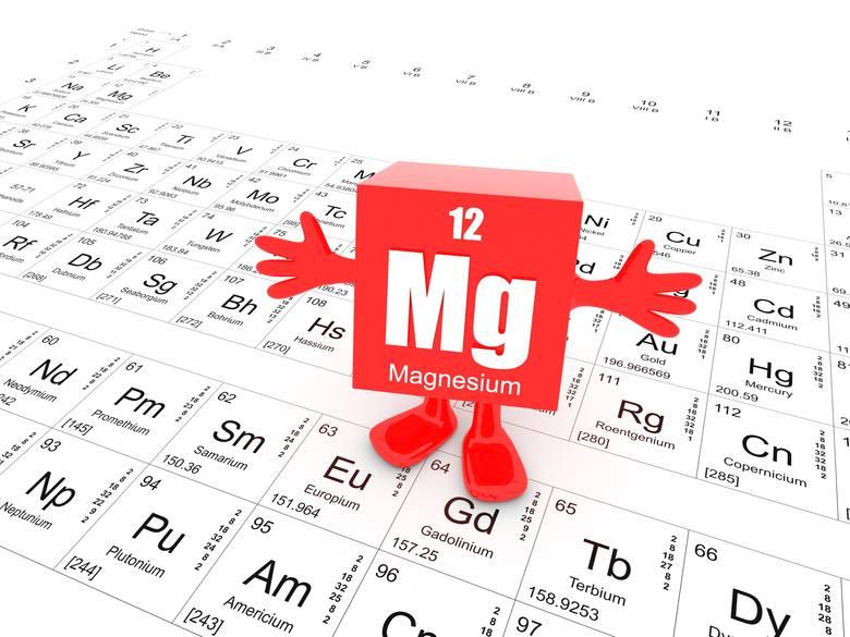 Magnez to pierwiastek alkaliczny, czyli o działaniu zasadotwórczym w organizmie. Dzięki temu pomaga zobojętniać nadmiar kwasów powstających m.in. na
