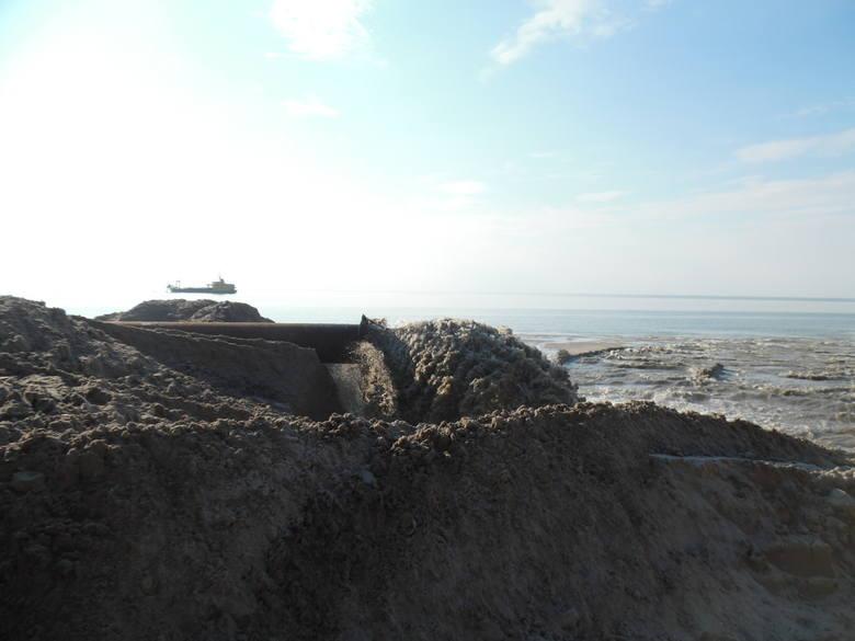 Odbudowa plaży w Wiciu. Niezwykły widok! [ZDJĘCIA]