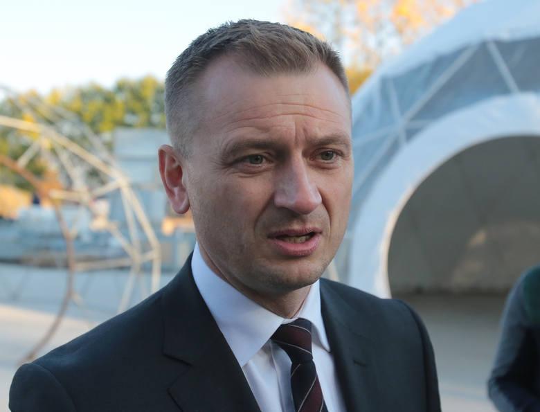 Nielubiane trzecie miejsceTrzecie miejsce w naszym sondażu zajął poseł Sławomir Nitras, kandydat Platformy Obywatelskiej i Nowoczesnej - 15,1 procent