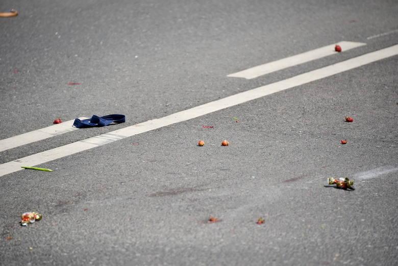 W pobliżu były policyjne radiowozy i motocyklista. Czytaj też: Policjant na motocyklu śmiertelnie potrącił pieszego