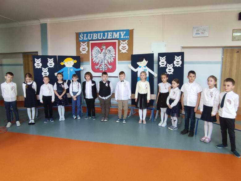 Ślubowanie i pasowanie na ucznia w Szkole Podstawowej nr 2 w Brzezinach