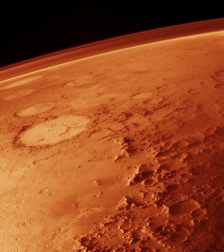 Już teraz naukowcy są przekonani, że w przyszłości wizyta człowieka na odległych planetach (lub ich księżycach) będzie możliwa. Pierwszą z nich, którą