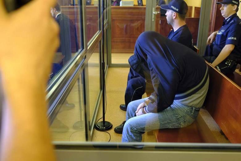 Andrzej G. z Torunia został skazany za zabójstwo oraz zgwałcenie dwóch osób, między innymi 13-letniego chłopca.