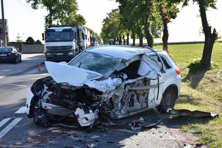 W poniedziałek w miejscowości Wojnowice niedaleko Opalenicy doszło do zderzenia ciężarówki z naczepą, osobówki i samochodu dostawczego. W wypadku jeden