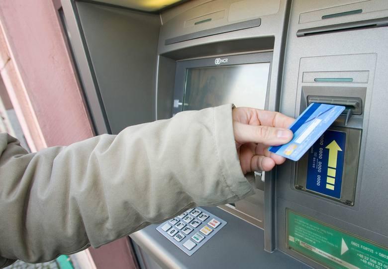 Długi weekend bez dostępu do konta? Duże banki informują o utrudnieniach: mogą nie działać aplikacje, Blik, nie można się będzie zalogować do swojego