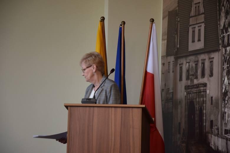 Sesja rady powiatu nowosolskiego, 22 lutego 2019 r.<br /> Skarbnik powiatu Ewa Matyla