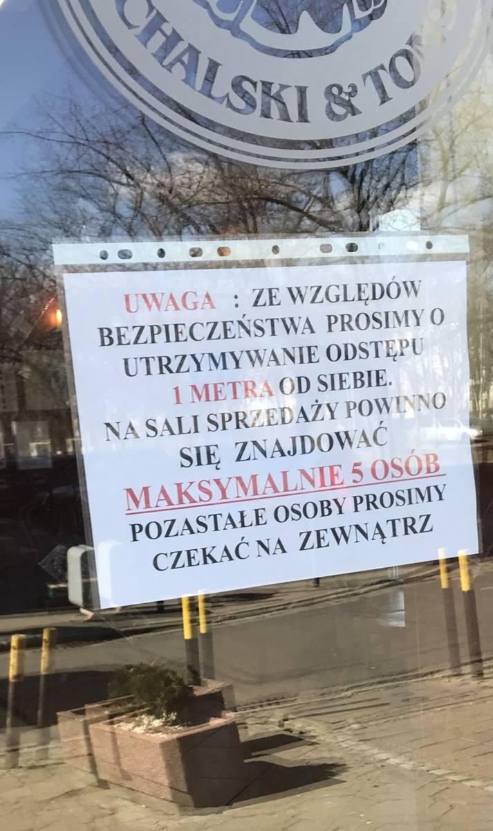 Wrocławskie galerie opustoszały. Mało który sklep otwarty