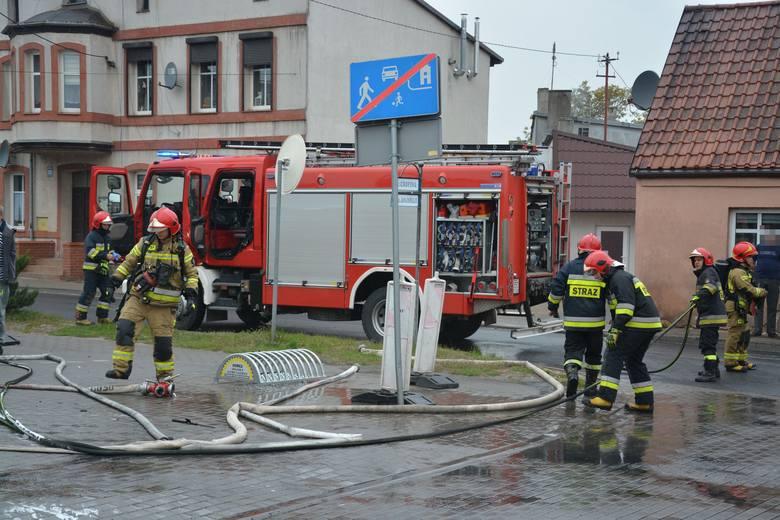 W Sępólnie Krajeńskim spłonął samochód [zdjęcia]