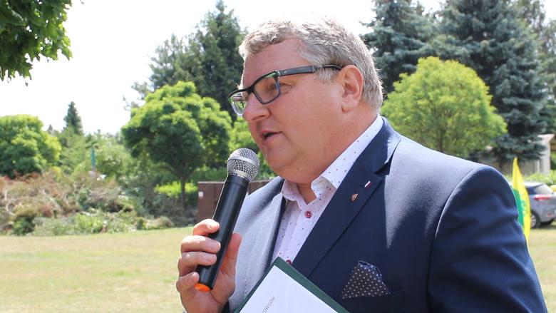 - Wnioski o dotacje opiewały na kilkanaście milionów złotych - mówił Krzysztof Grabowski. - Mieliśmy do dyspozycji dwa miliony