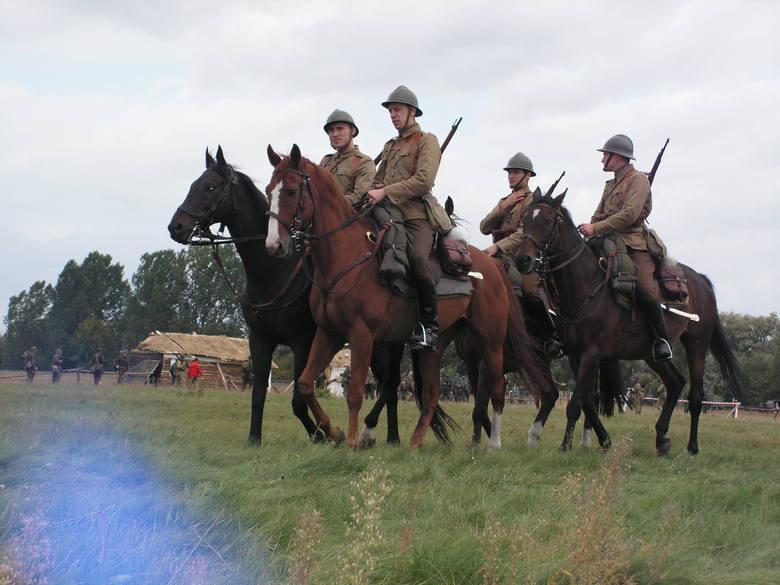 Polscy kawalerzyści - rekonstrukcja walk nad Bzurą