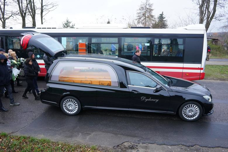 21-letni Adam został zastrzelony przez policjanta 14 listopada w Koninie. W czwartek, 21 listopada, odbył się jego pogrzeb.
