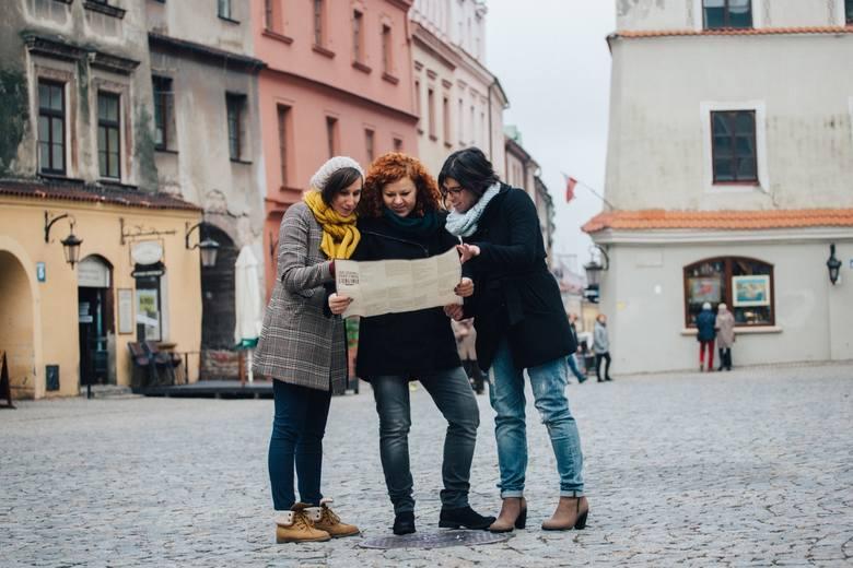 """ROOTKA TOURS to lubelskie biuro podróży specjalizujące się w organizacji wyjazdów związanych z dziedzictwem żydowskim we wschodniej Polsce i Zachodniej Ukrainie, ze szczególnym uwzględnieniem Lublina i Lubelszczyzny. Są to przede wszystkim podróże w poszukiwaniu korzeni, """"szyte na miarę"""" potrzeb..."""