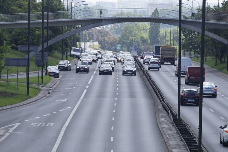 Oprócz mieszkańców Warszawy, na nowym cenniku skorzystają także kierowcy korzystający z aplikacji.