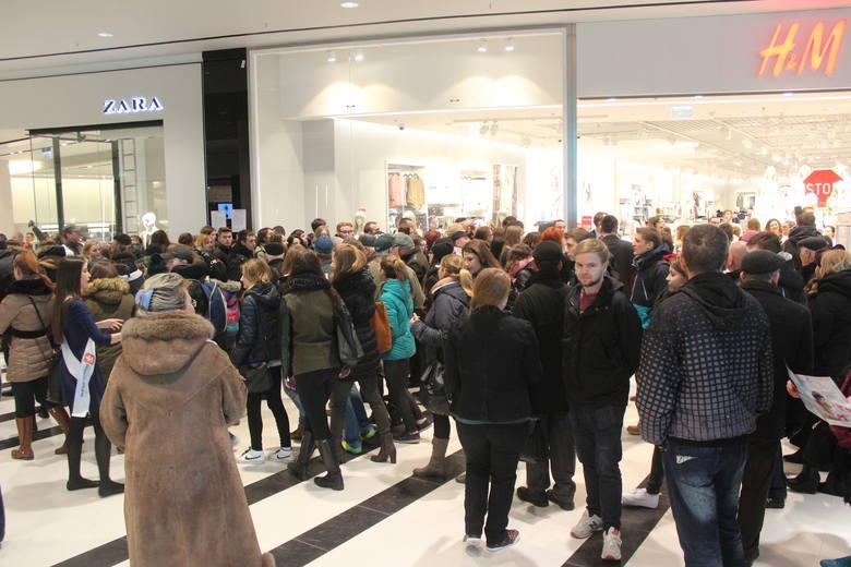 Tarasy Zamkowe w Lublinie już otwarte. Tłumy przed wejściem (ZDJĘCIA)