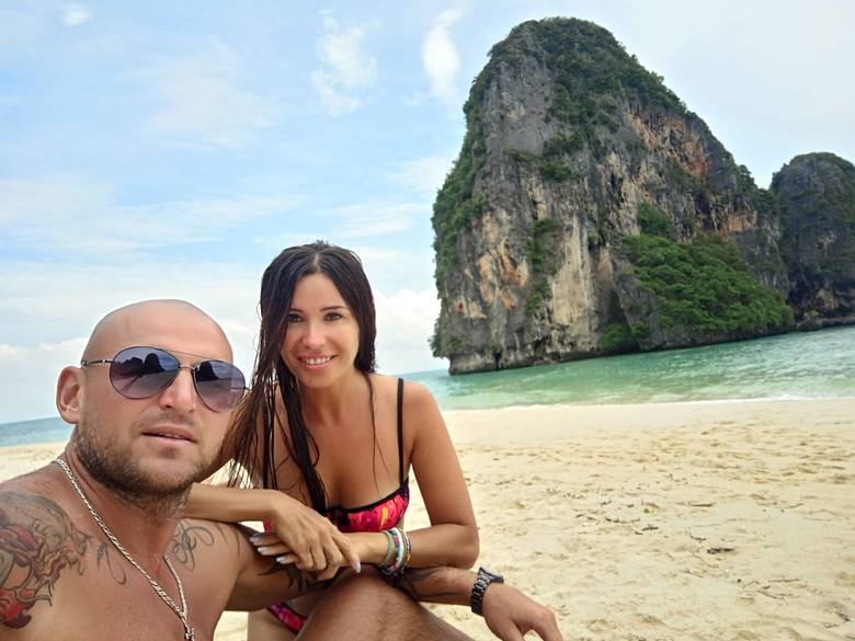 Daniel Wall koszykarz Rosy Radom w Tajlandii z żoną Magdaleną!