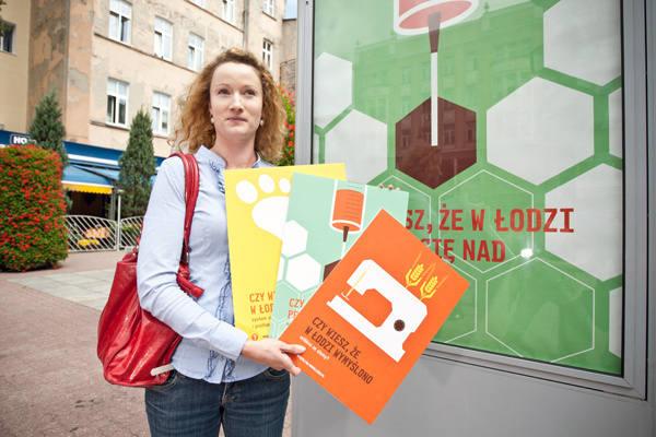 Takie obrazki zawisną na billboardach i citylightach w Łodzi i Warszawie .