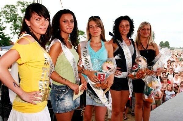 """Przypominamy, jak przez ostatnich 10 lat wyglądały wybory miss i mistera lata na pikniku """"Powitanie Lata"""" w Domaniowie. Zobaczcie zdjęcia"""