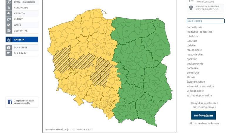 Burza z gradem w Łodzi! Sprawdź gdzie jest teraz burza. MAPA BURZOWA, ZOBACZ GDZIE TERAZ GRZMI, RADAR OPADÓW