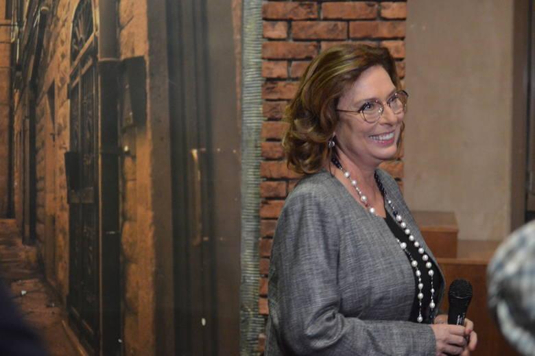 Wicemarszałek podkreśliła, że na wszystkich jej spotkaniach prawyborczych pojawia się temat zaufania.- Polacy pytają, co się stało, że nie możemy ufać