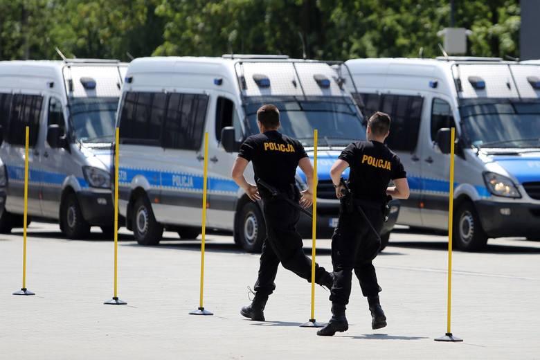 Wrocław bez policji? Setki policjantów na zwolnieniach