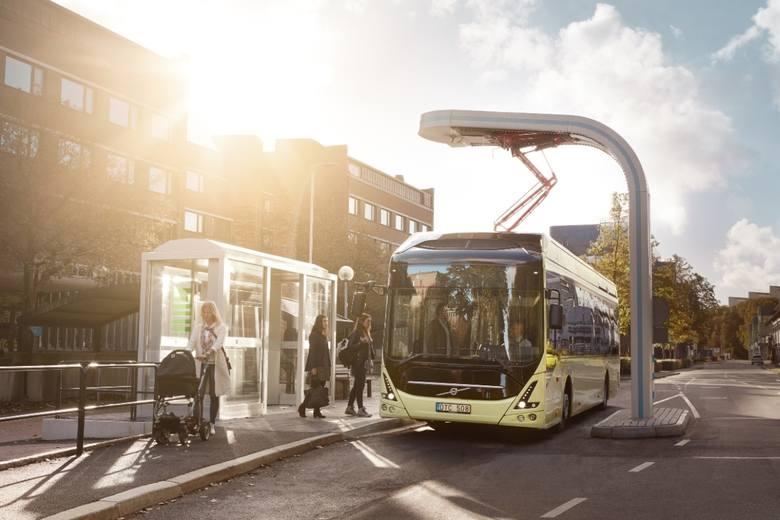 Łódzkie MPK podpisało z wrocławską fabryką Volvo umowę na dostawę 17 elektrycznych autobusów. MPK wybrało w drodze przetargu elektryczne autobusy Volvo