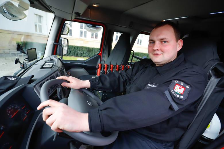 Siedem jednostek OSP z naszego województwa 15 lutego odebrało kluczyki do nowych wozów ratowniczo-gaśniczych.