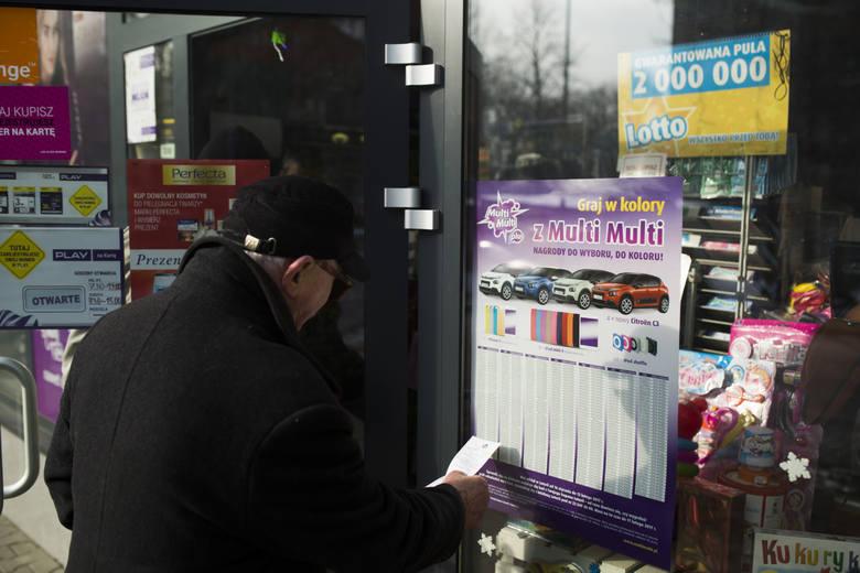 Wyniki Lotto 5.01.2021 r. Duży Lotek, Lotto Plus, Multi Multi, Kaskada, Mini Lotto, Super Szansa, Ekstra Pensja i Premia. Sprawdź liczby