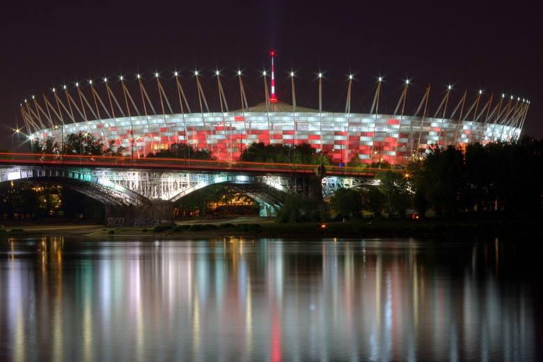 Warszawa: Na Stadionie Narodowym powstaje szpital polowy dla chorych na koronawirusa. Będą podobne placówki w całym kraju