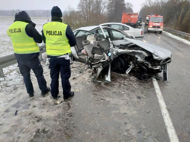 Po godzinie 11 doszło do zdarzenia drogowego na drodze W670 między miejscowościami kol. Bieniowce a Dąbrowa Białostocką.