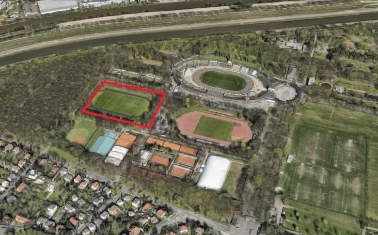 Hala miałaby powstać na tyłach Stadionu Olimpijskiego. AWF złożyła już wniosek o zmianę planu zagospodarowania przestrzennego działki. Trwają proced