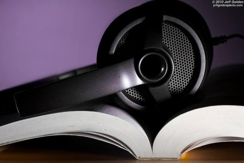W weekend użytkownicy sieci Orange mogą pobrać pić darmowych audiobooków. Fot. Jeff Golden/cc/flickr.com
