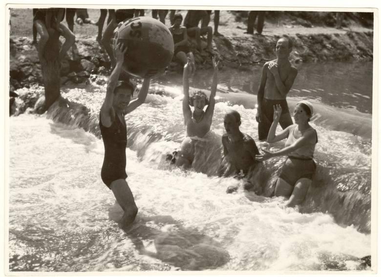 Kąpiel w Rudawie, rok 1938.