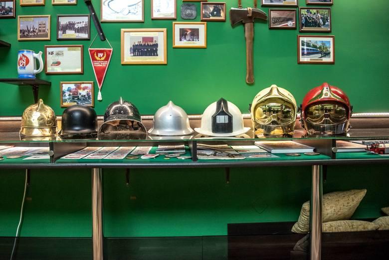 Z bliska przyjrzeliśmy się, jak wygląda codzienna praca strażaków z jednostki na Piątkowie.