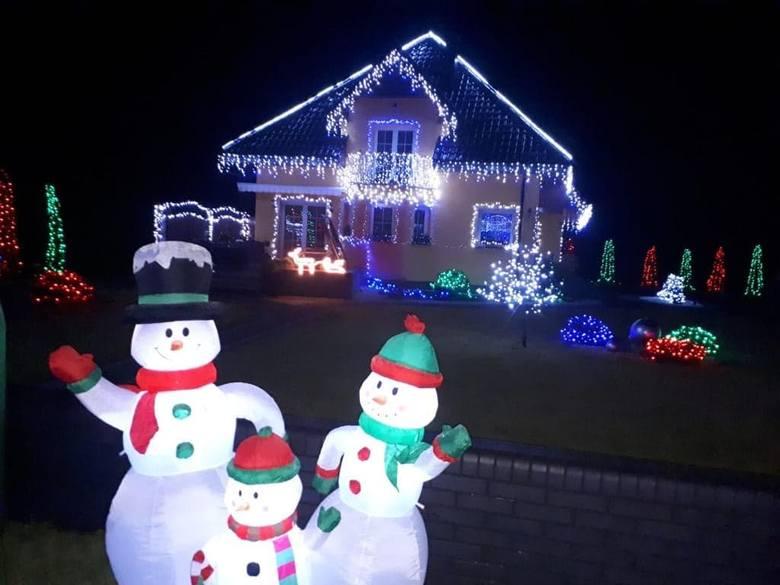 Co roku dom pani Jolanty i pana Rafała rozświetla opolską Malinę dziesiątkami tysięcy lampek.