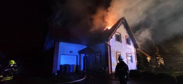 Pożar domu jednorodzinnego w Baninie! Straty sięgają 250 tys. zł