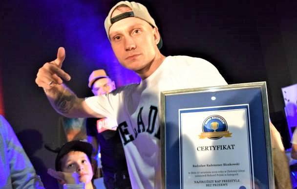 Rademenez - MC, BBoy – to rekordzista Polski Freestyle Rap Bez Przerwy: w 2019 r. rapował w Centrum Keplera Wenus w Zielonej Górze przez 12 godzin bez