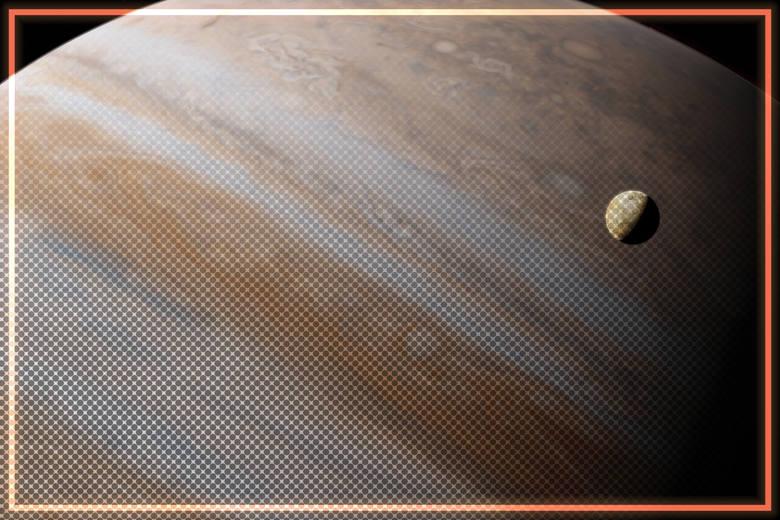 Badania dowodzą, że na księżycu Jowisza - Europie - może istnieć zamrożona, czerwona bakteria. Jej obecność wskazywałaby na możliwość ewolucji bardziej