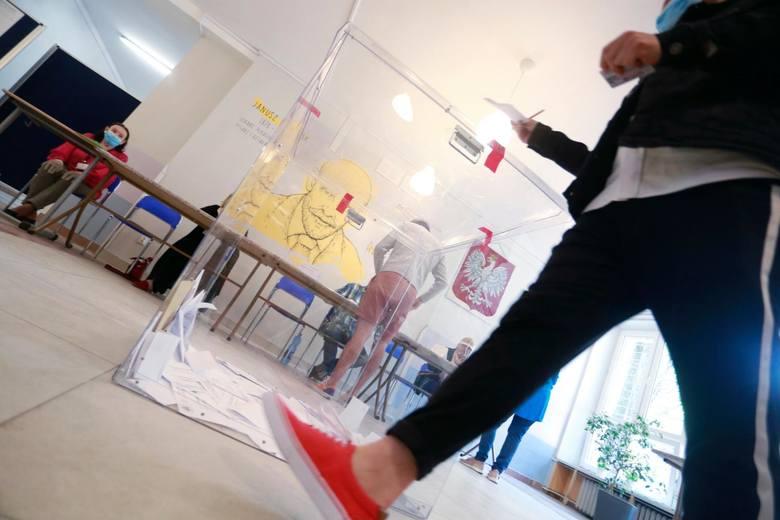 Głosowanie w II turze wyborów prezydenckich wyznaczono na 12 lipca.