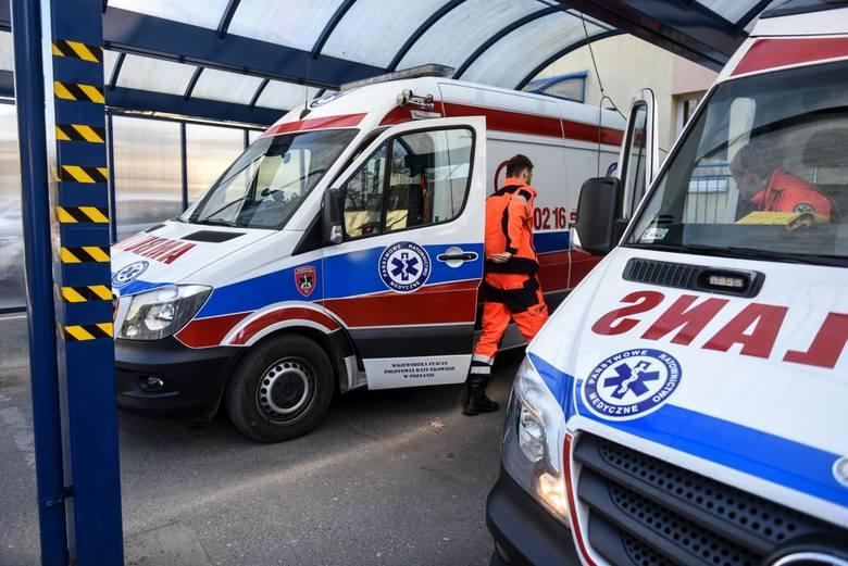 Pracownicy poznańskiego pogotowia ratunkowego zaapelowali do mieszkańców o pomoc. Brakuje im praktycznie wszystkiego, od środków do dezynfekcji, odzieży