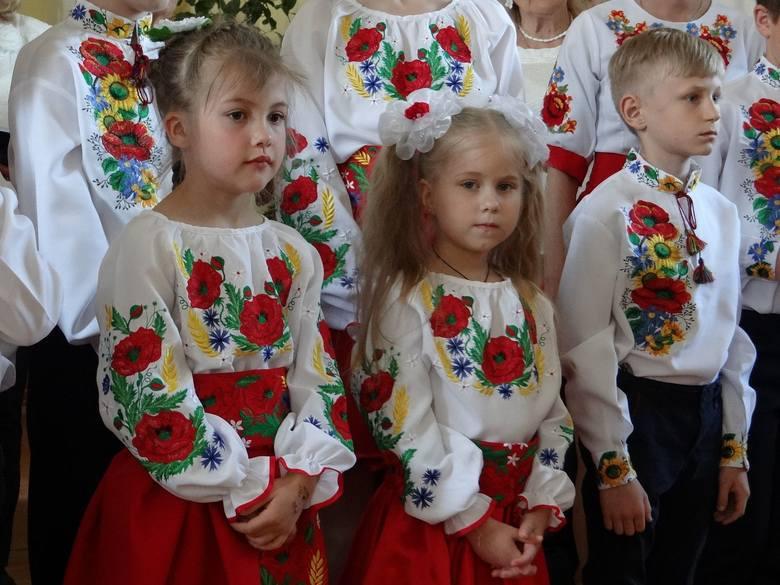 Liceum Krzemienieckie - koncert z okazji Dnia Flagi Polskiej
