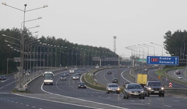 Kierowca mercedesa usłyszał zarzut sprowadzenia bezpośredniego niebezpieczeństwa