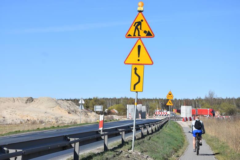 W połowie marca Generalna Dyrekcja Dróg Krajowych i Autostrad podpisała umowę z konsorcjum firm PBDiM Kobylarnia (lider) i Mirbud (partner) na dokończenie