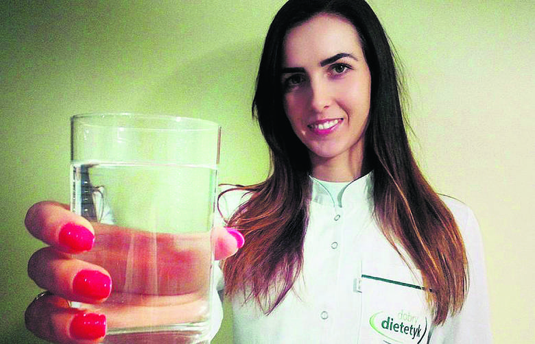 - Większości zalecam wodę średniozmineralizowaną - mówi Edyta Leźnicka, dietetyk kliniczny