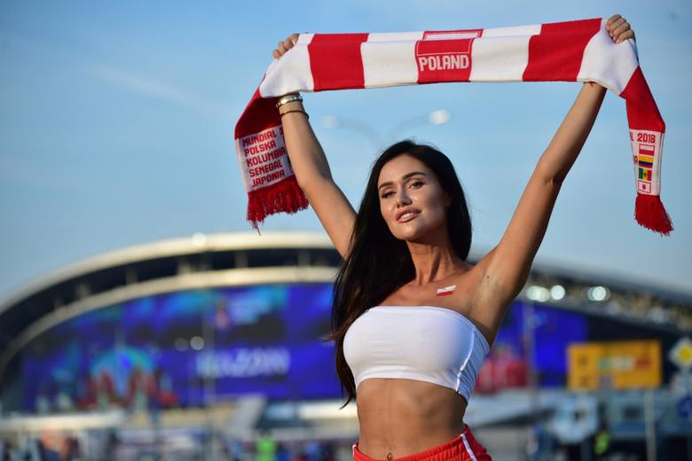 Miss mundialu 2018 Karolina Emus przed meczem Polska - Kolumbia